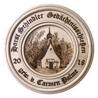 Bild 2: Die ausgeschossene Gedächtnisscheibe (Motiv: Bürgerwaldkapelle).